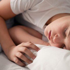Déficit de sueño entre menores