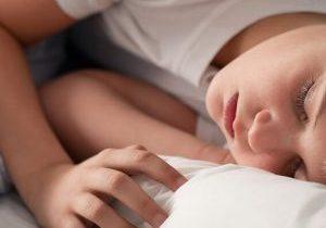 Déficit de sueño entre menores, la enfermera escolar avisa.